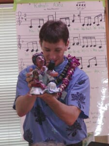 Kaliko accepts an award on behalf of Aunty Nona for the Childrens Music Network, 2006